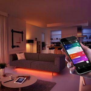 Y se hizo la luz personalizada desde el celular